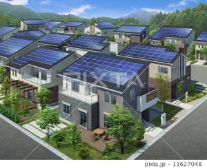 太陽光発電投資とは?収益性は不動産投資とどちらが上か?